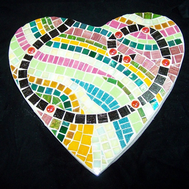 Springtime Heart Mosaic Stepping Stone MOO5022
