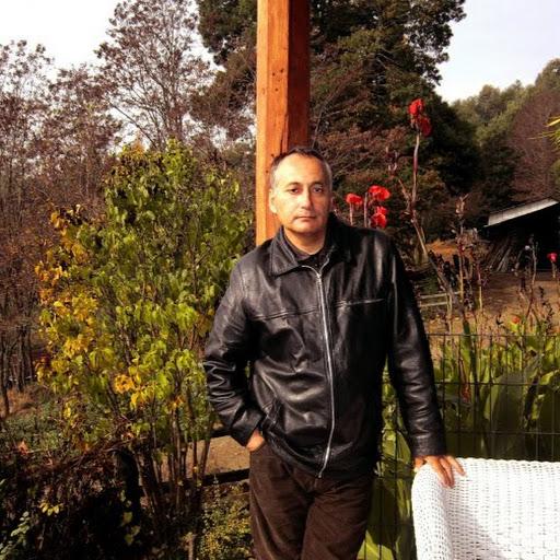 http://lh6.googleusercontent.com/-XoxX1i6PVIA/AAAAAAAAAAI/AAAAAAAAGm0/B1AXBxvQBOA/s512-c/photo.jpg