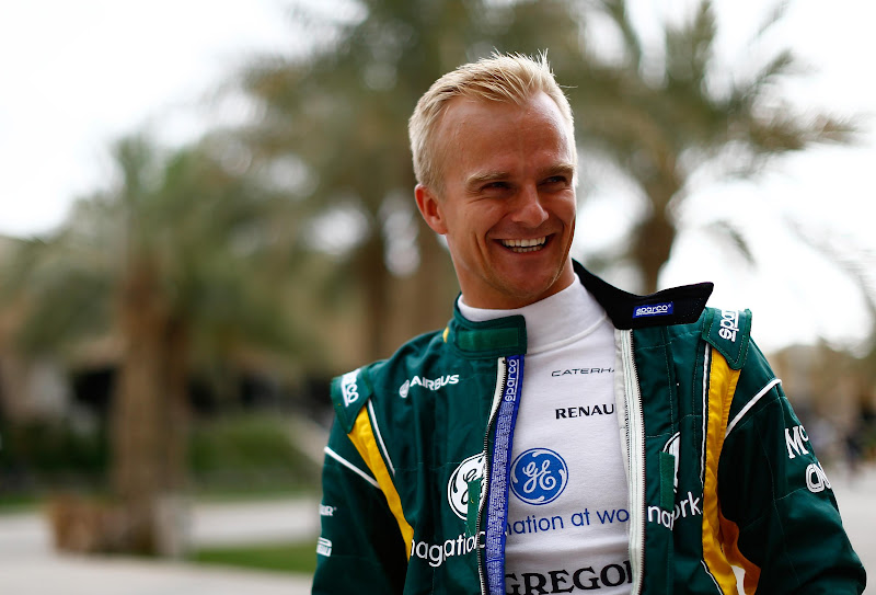радостный Хейкки Ковалайнен на Гран-при Бахрейна 2013