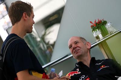 Себастьян Феттель и Эдриан Ньюи на Гран-при Сингапура 2011