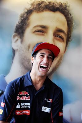 бесконечный смех Даниэля Риккардо на Гран-при Бельгии 2013