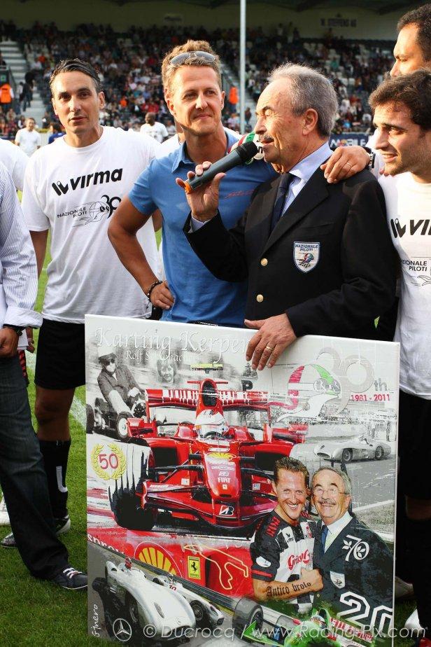 Михаэль Шумахер на футбольном матче в Спа на Гран-при Бельгии 2011