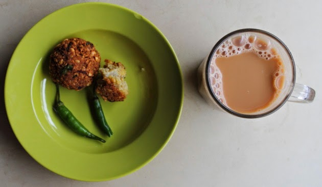 Teh Aliyah and Masala Vada at an Indian Malaysian Shop in Arab Quarter, Singapore
