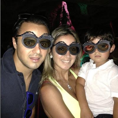 Фелипе Масса с Рафаэлой и Фелипиньо в очках муравьев