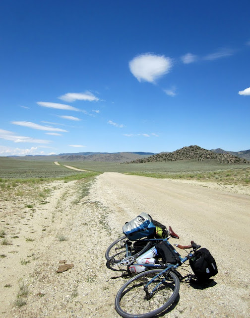 Bike and Road, Wyoming: July 22, 2011 - Mile 5285