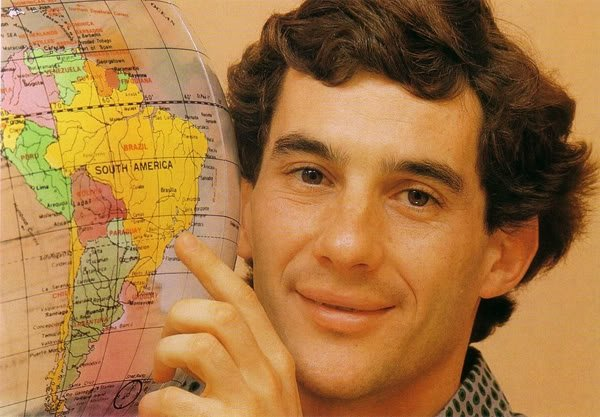 Айртон Сенна показывает Сан-Пауло на глобусе