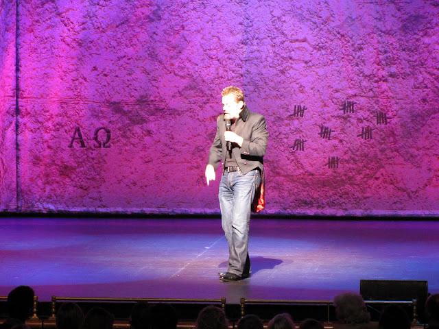 Eddie Izzard on stage in Auckland.