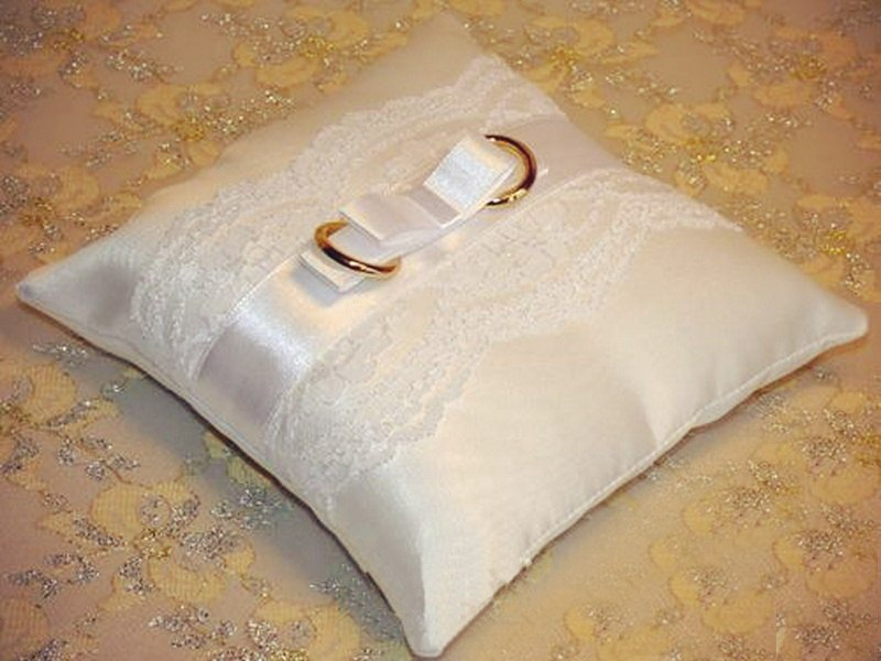 Сделать подушку для колец