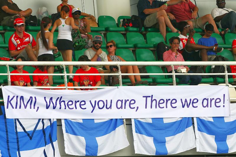 баннер в поддержку Кими Райкконена от болельщиков Куала-Лумпура на Гран-при Малайзии 2014