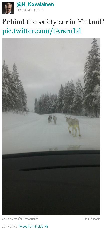 Хейкки Ковалайнен позади финского сэйфти-кара - твиттер
