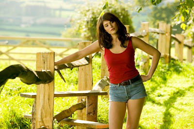 Gemma Arterton is Sexy in Tamara Drewe