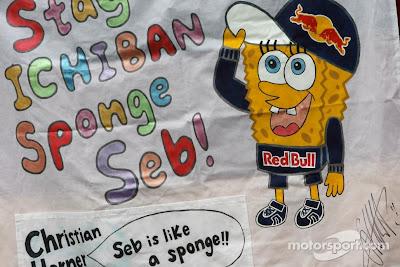 баннер от болельщов в поддержку Себастьяна Феттеля на Гран-при Австралии 2012