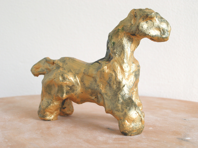 horse (figurine by frank waaldijk, right front)