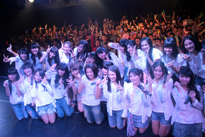 The New JKT48 Formation in front of audience