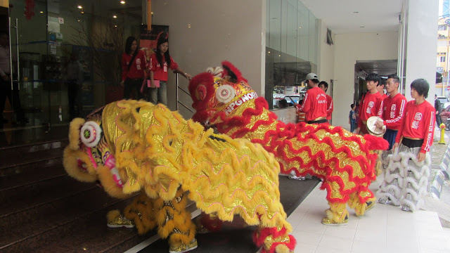Dragon dancers to ring in Chinese New Year.