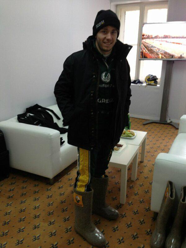 Шарль Пик в валенках на Гонке звезд За рулем в Москве 23 февраля 2013