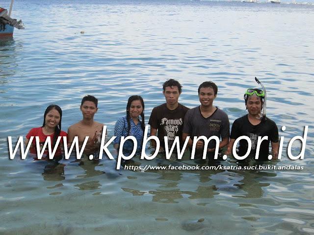 peserta trip pulau samalona kompa dansa mandar makassar