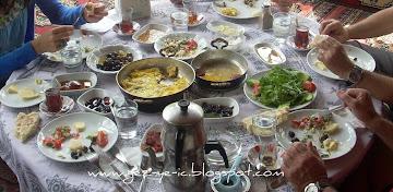 Kirazlı köy kahvaltısı
