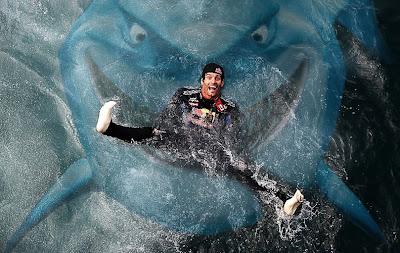 фотошоп Марк Уэббер падает в пасть акулы на Гран-при Монако 2010