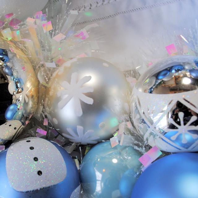 Frosty OWR8017 Holiday Ornament Wreath
