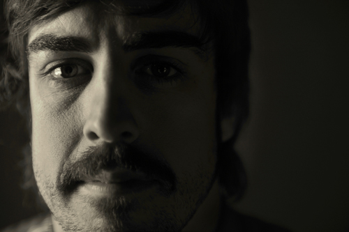 черно-белое фото Фернандо Алонсо от Gigi Soldano