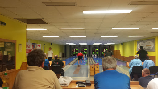 Sportkegelbahn d Stadt Wiener Neustadt, Gymelsdorfergasse 31, 2700 Wiener Neustadt, Österreich, Bowlingbahn, state Niederösterreich