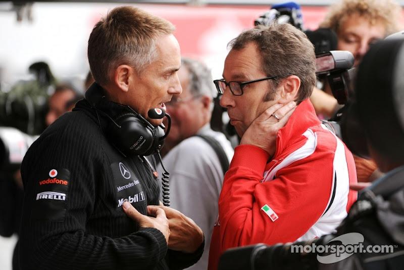 Мартин Уитмарш и Стефано Доменикали с забавным лицом на Гран-при Великобритании 2011