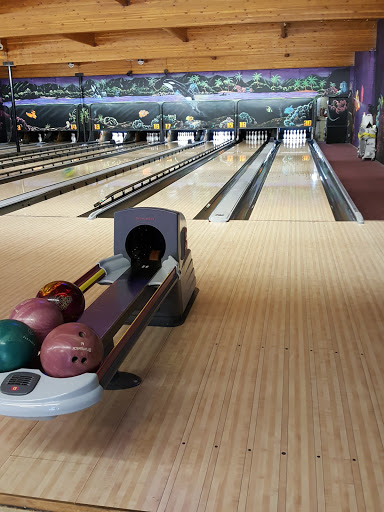 Duncan Lanes, 2701 James St, Duncan, BC V9L 2X8, Canada, Bowling Alley, state British Columbia