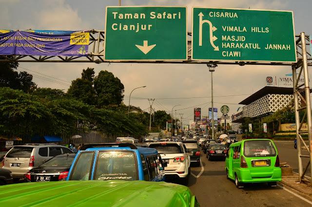 Droga z Bogor do Puncak.
