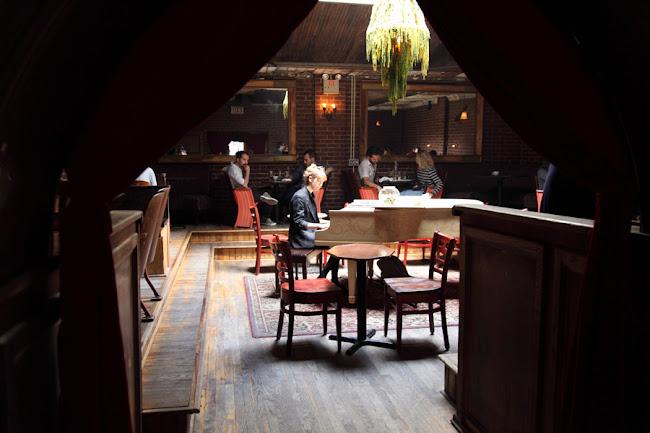 Manhattan Inn, Greenpoint Brooklyn