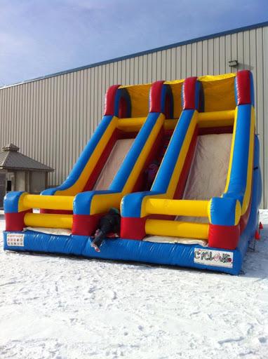 Amusements Cyclone (Jeux gonflables), 220 Rue Témiscouata, Rivière-du-Loup, QC G5R 2Y5, Canada, Amusement Center, state Quebec