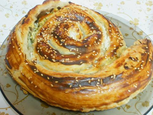 Пирог с слоеным тестом и творогом с фото пошагово в духовке