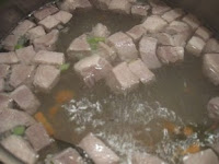 готуємо бульон для борща