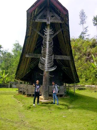 rumah adat mamasa sulawesi barat