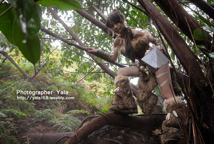 Thợ săn Nidalee khoe dáng giữa rừng vắng