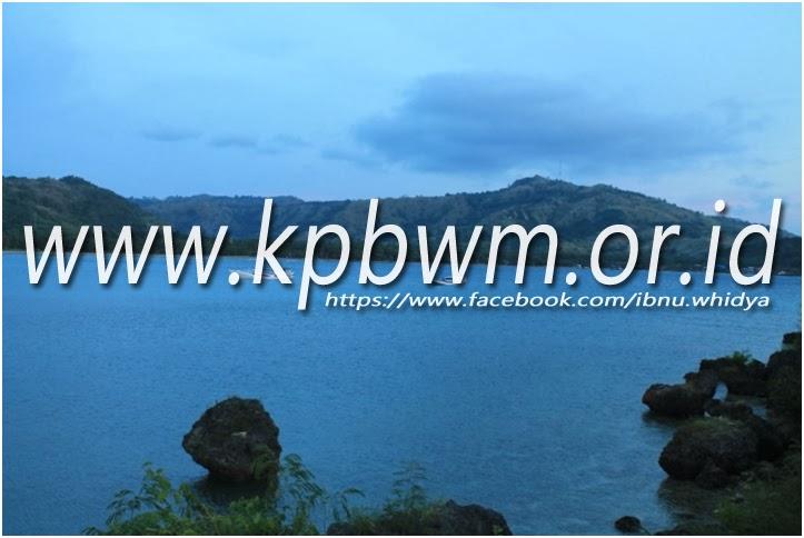 pantai taraujung pamboang menjelang magrib