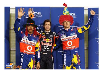Льюис Хэмилтон и Дженсон Баттон в клоунских костюмах на квалификации Гран-при Абу-Даби 2011 - фотошоп by  DBXdarkangel