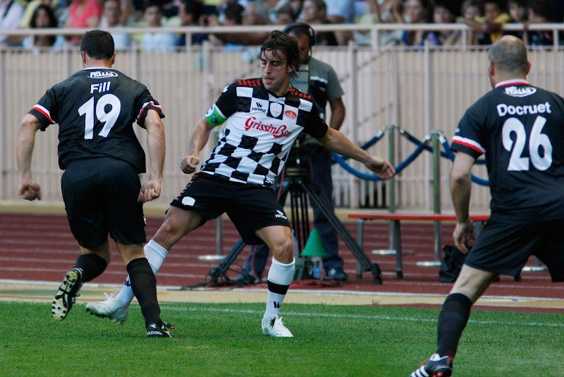 Фернандо Алонсо на благотворительном футбольном матче в Монте-Карло 2011