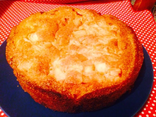 Brandy apples and almond cake