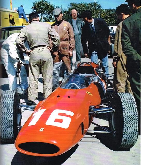 фотошоп Эдриан Ньюи наблюдает за Ferrari 158