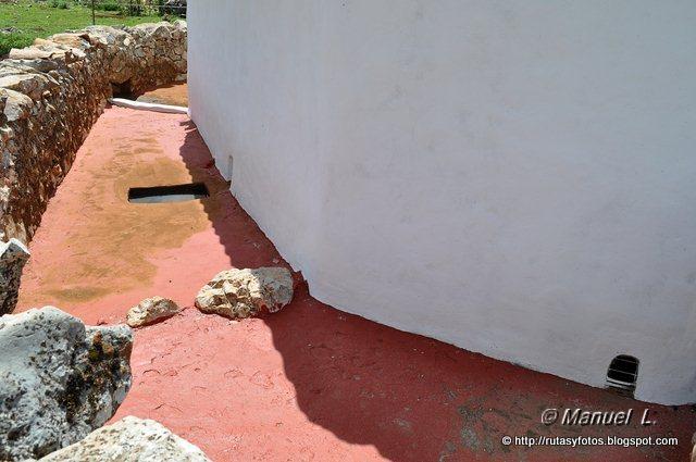 Aljibes restaurados del Algarrobal