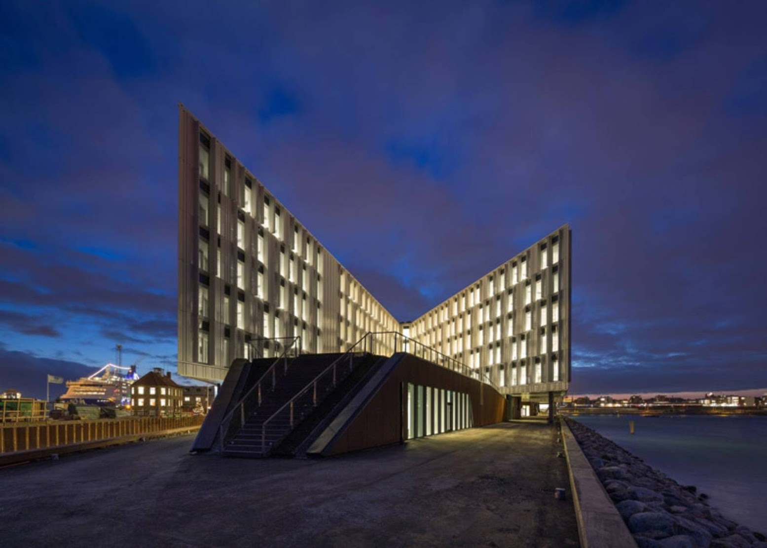 Copenaghen, Danimarca: [UN CITY BY 3XN ARCHITECTS]