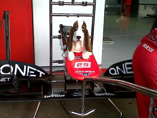 Rastreator на носовом обтекателе Marussia на Гран-при Испании 2012