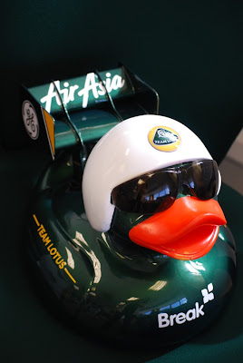 уточка Team Lotus на Grand Norwich Duck Race