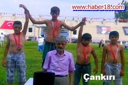 Çankırı Belediyesi Gençlik Spor Kulübü Pehlivanlarından 5 Madalya