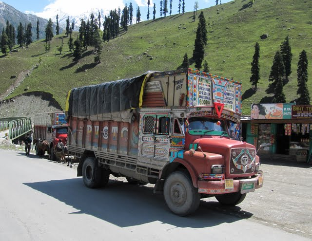 road Srinagar to Leh