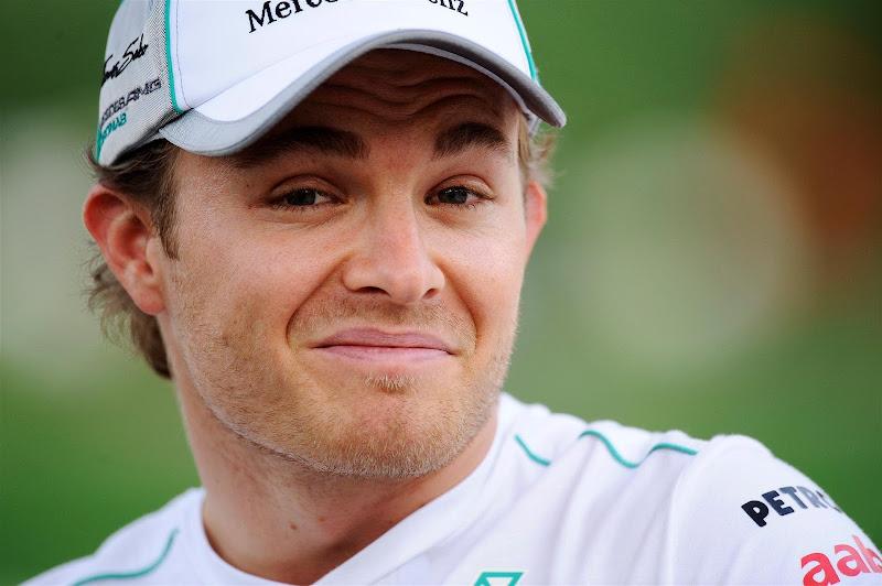 забавное выражение лица Нико Росберга на Гран-при Бахрейна 2012