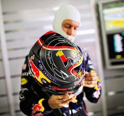 специальный дизайн шлема Себастьяна Феттеля в честь победы сборной Германии по футболу для Гран-при Германии 2014