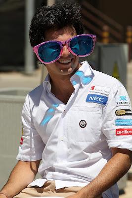 Серхио Перес в гигантских очках на Гран-при Европы 2012
