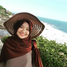 Nur Annisa Mustika Taufan photos, images